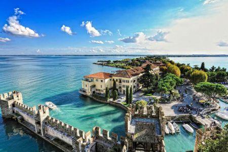 Gardasee-Sirmione-Italien-Brescia-Lombardei-iStock_000051239272_Large-2-1920.jpg