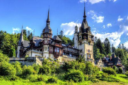 Peles-Castle-private-trip-in-Sinaia-Romania-1.jpg